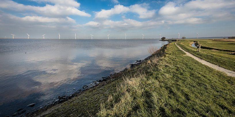 Zicht op Eemmeerdijk van Michiel Leegerstee