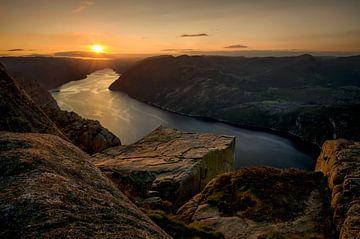 Preikestolen Sunset von Wojciech Kruczynski