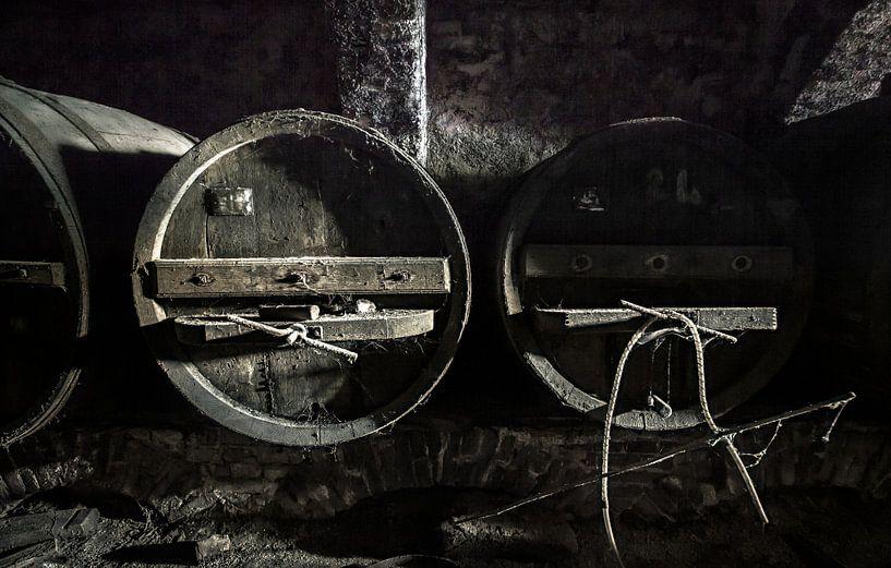 Wijnkelder Vinum Urbex van Olivier Photography