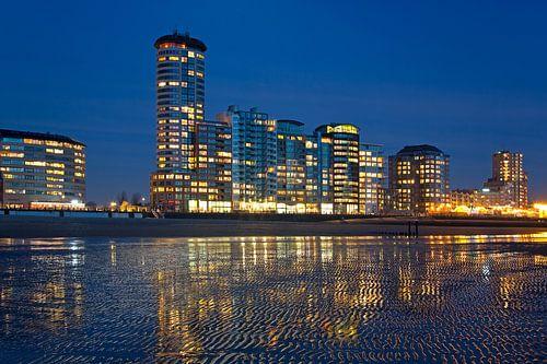 Sardijntoren aan het strand te Vlissingen van