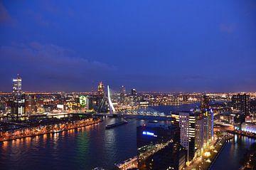 Rotterdam  Skyline on the Maas river. von Marcel van Duinen