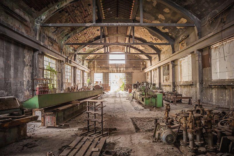 Factory von Leo van Valkenburg