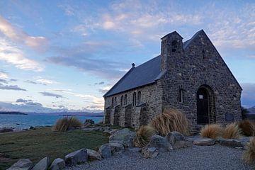 Kirche des guten Hirten am see Tekapo in Neuseeland von Aagje de Jong