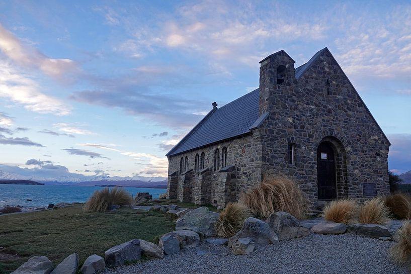 Kerk bij het Tekapo meer in Nieuw Zeeland van Aagje de Jong