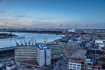 Antwerpen met zicht op de haven. van Bruno Hermans