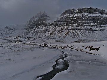 Ruige Snæfellsnes in de winter van Timon Schneider