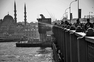 Die Galata-Brücke in Istanbul von Marian Sintemaartensdijk