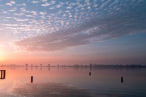 Sonnenaufgang am Wasser von René Wolters