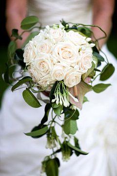 Bruidsboeket lichtroze van Ties van Veelen