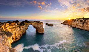 Praia de Albandeira an der Algarve, Portugal
