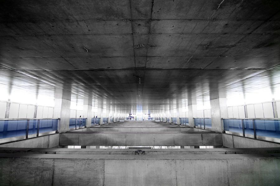 Lissabon Underground 3 van Dennis van de Water
