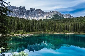 Lago di Carezza / Karersee van Dirk Herdramm