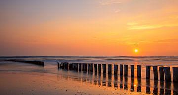 Ondergaande zon op Ameland, Nederland van Adelheid Smitt