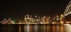 Sydney skyline by night van