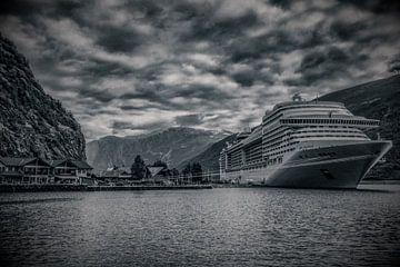 Cruise in Noorse fjord von Wim Scholte