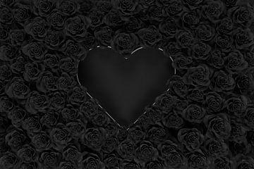 forme de coeur argenté recouvert de roses noires sur Besa Art