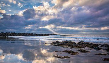 Abendsonne hinter den Wolken, Wales von Rietje Bulthuis