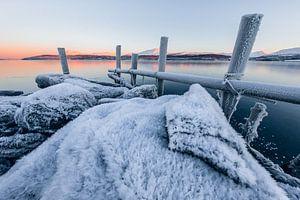 Zonsopkomst in een winters fjord - Tromsø, Noorwegen