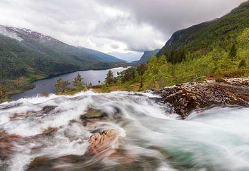 Waterval Noorwegen (Granvin) van Marcel Kerdijk