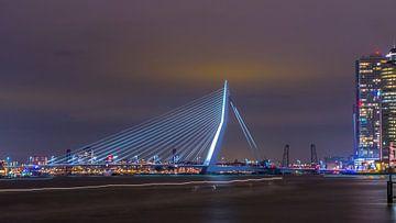 Erasmus bridge at dusk van Henk Goossens