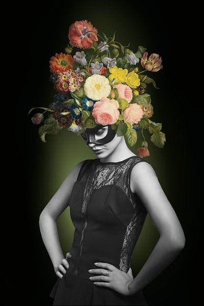 I am Woman, Watch me Bloom von Marja van den Hurk