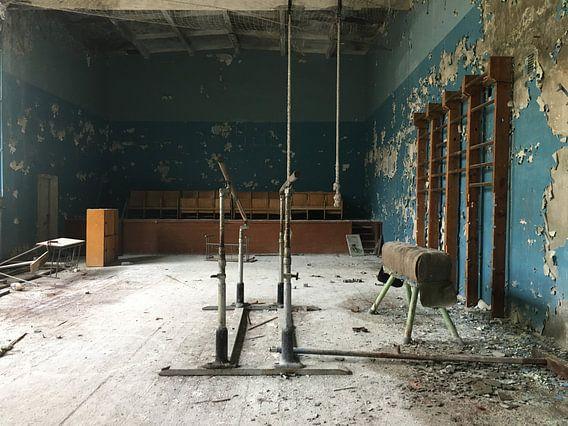 Gymzaal in Duga van Luke Bulters