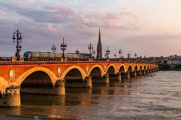 Le Pont Jacques Chaban Delmas in Bordeaux van Koen Henderickx