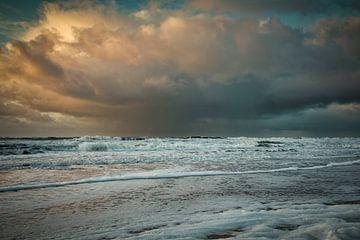 wolkbreuk boven de Noordzee van eric van der eijk