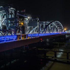 IJsselbrug Zutphen at night van Francis de Beus