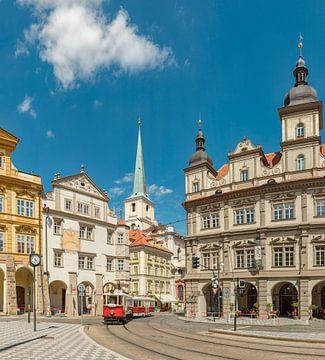 Malostranské náměstí, St Thomas kerk, antieke tram, Prag Praha, , Tsjechië, van Rene van der Meer