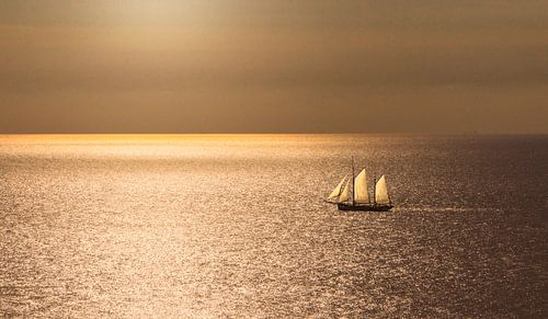 2347 Sailing on the North Sea