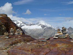 Steenmannetjes in de Zwitserse Alpen