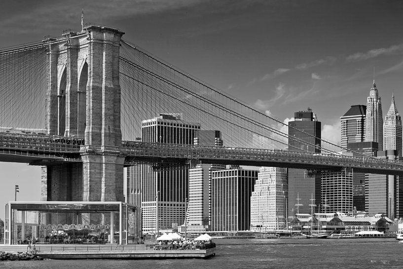 Brooklyn Bridge | Zwart-Wit van Melanie Viola