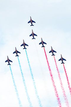 Patrouille de France met rood, wit en blauwe rook van Wim Stolwerk