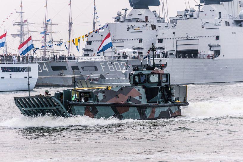 Mariniers in Actie in Den Helder van Brian Morgan