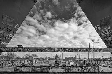 Tussen de pijlers van Faralda van Peter Bartelings Photography