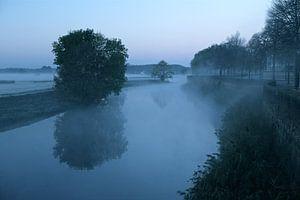 De Zuidwal van Den Bosch in ochtendgloren van