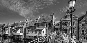 De hangende keukens van Appingedam in zwart/wit