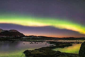 Noorderlicht in een merengebied op Vesterålen van Kai Müller