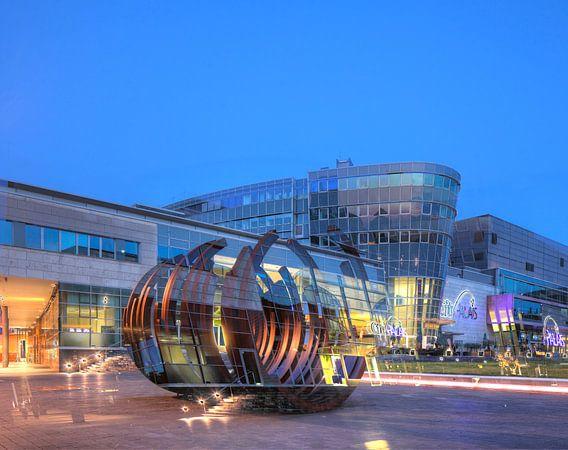 Einkaufszentrum City Palais am Koenig-Heinrich-Platz bei Abendd�mmerung, Duisburg, Ruhrgebiet, Nordr