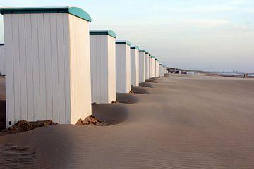 Stände entlang der Küste von Katwijk von