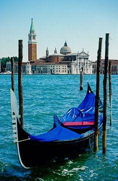 Venetiaanse gondel - Analoge fotografie! van Tom River Art