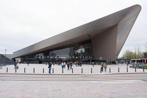 Centraal station Rotterdam van Paul Hinskens