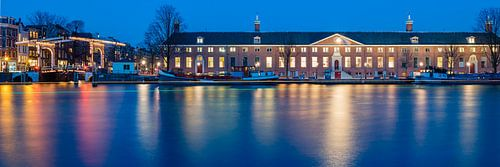 De Hermitage, Amsterdam bij avond van John Verbruggen