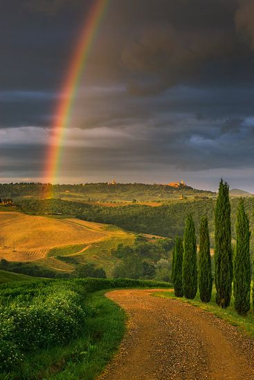Regenboog over Pienza, Toscane, Italië