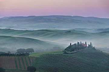 Rosa Belvedere Sonnenaufgang in der Toskana von iPics Photography