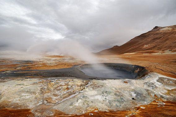 Island - Vulkanlandschaft - Geothermalgebiet mit Dampfaustritt