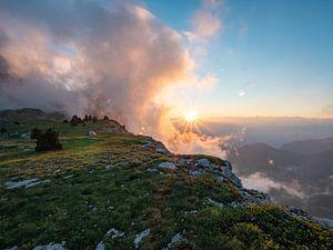 Zonsopkomst in de bergen van de Vercors, Franse Alpen van Frankrijk Puur