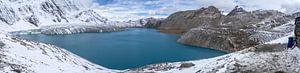 Panorama du lac Tilicho au Népal sur Tessa Louwerens