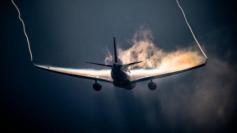Delta Air Lines Airbus A330-300 met regenboog condensatie van Mark de Bruin